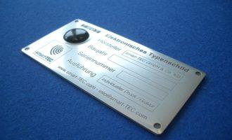 RFID/NFC-Führerscheinlabel und Metalltypenschilder mit integrierter RFID- oder NFC-Technologie
