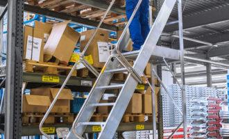Hymer-Leichtmetallbau auf der LogiMAT 2017: Durchdachte Steigtechnik für industrielle Anforderungen