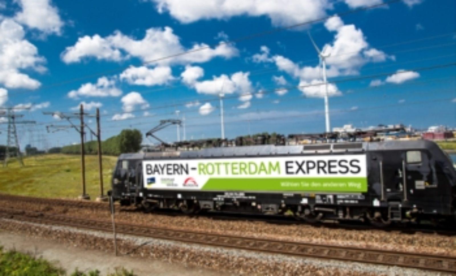 Hafen Rotterdam und Bayernhafen AG vergeben Bayrolo-Award | LOGISTIK ...
