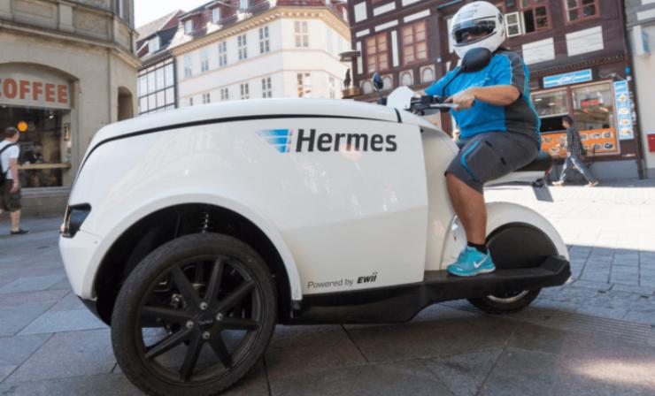 Hermes stellt Pakete mit emissionsfreiem Dreirad zu