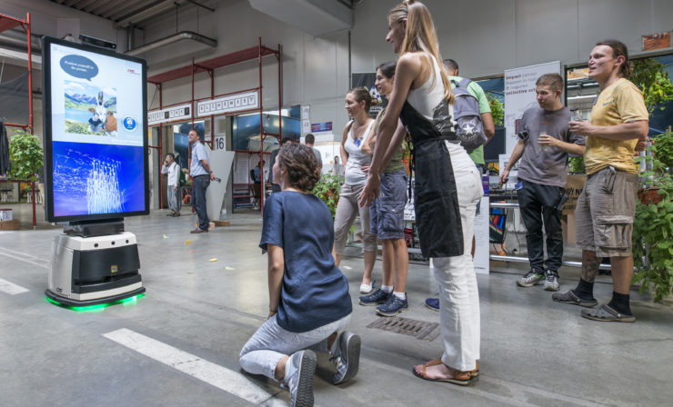 Fahrerloses Transportfahrzeug aus Linz am internationalen Forum Mechatronik