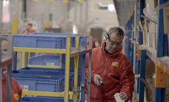 Nach erfolgreicher Testphase: DHL Supply Chain setzt Datenbrillen weltweit ein