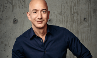 Jeff Bezos kommt in die Logistics Hall of Fame