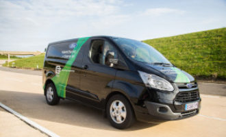 Ford's plug-in hybrid Transit van makes its dynamic debut