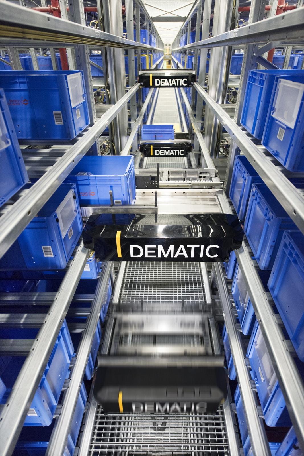 Dematic blickt zurück auf die Erfindung des Multishuttles