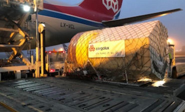 Cargolux transportiert deutsche High-Tech-Bojen für Offshore-Windparks nach China