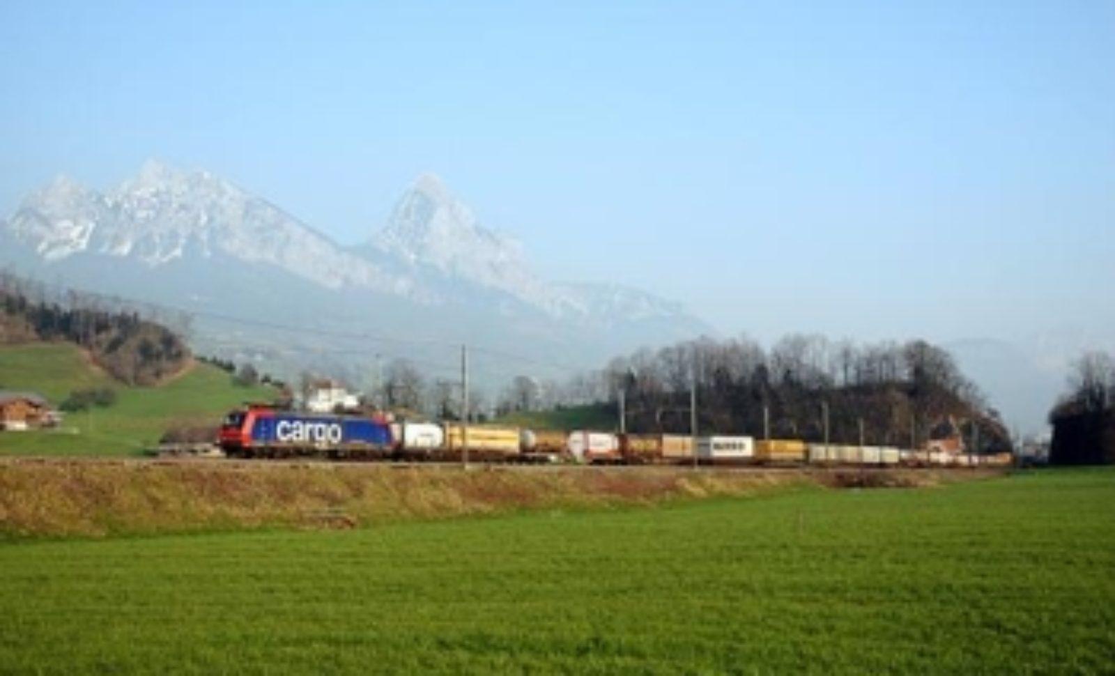 Hupac startet neuen Bahnshuttle zwischen Rotterdam und Kornwestheim