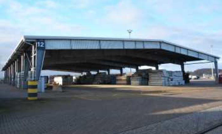 Port of Kiel: Neue Lagerhalle für Forstprodukte im Ostuferhafen eingeweiht