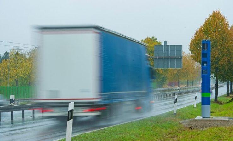 Neue Kontrollsäulen: Toll Collect bereitet Lkw-Maut-Ausweitung vor