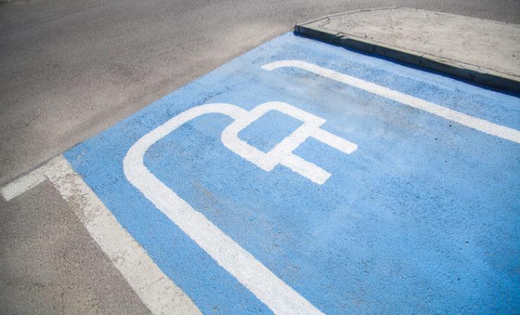 Teslas E-Lkw: Ladestationen entstehen in Zusammenarbeit mit Kunden