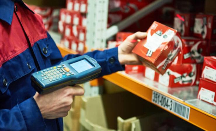 Kommentar: Amazon patentiert Wearable für Picker, überwacht werden diese aber eh schon