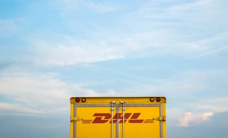 All about DHL: Neues Frachtdrehkreuz am Wiener Flughafen | Wie die Abendzustellung bei den Kunden ankommt | Studie über Blockchain-Technologie in der Logistik