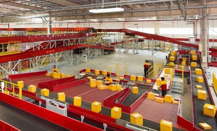 Intralogistik: Deutsche Post DHL ordert 28.000 neue Paketrollbehälter