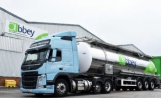 Abbey Logistics trials long-haul gas-powered truck