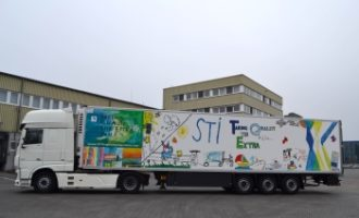 Kinder gestalten Lkw-Design von STI Freight Management