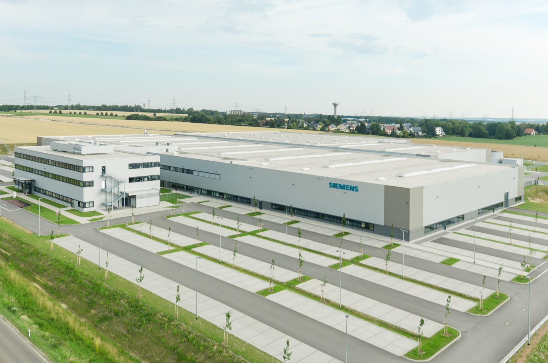 Dematic automatisiert Siemens-Werk mit AutoStore®-Anlage