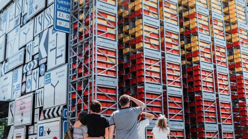 Imposantes Kleinteilelager für das Verkehrshaus der Schweiz
