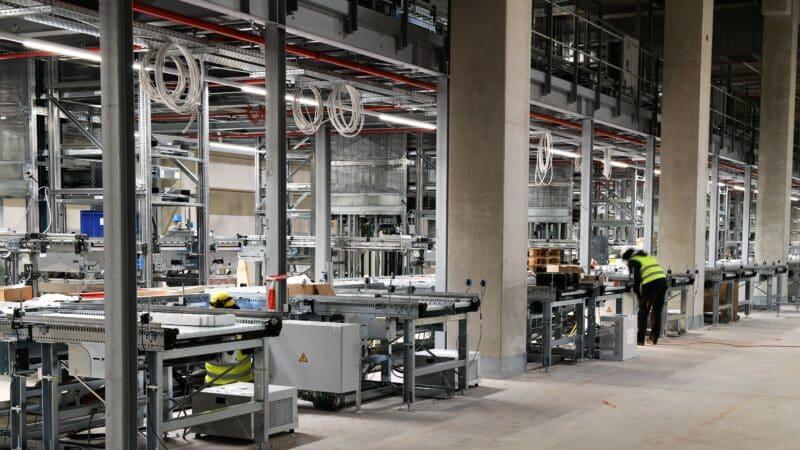 Neues bilstein group Logistikzentrum in Gelsenkirchen – Montagefortschritt nach Plan