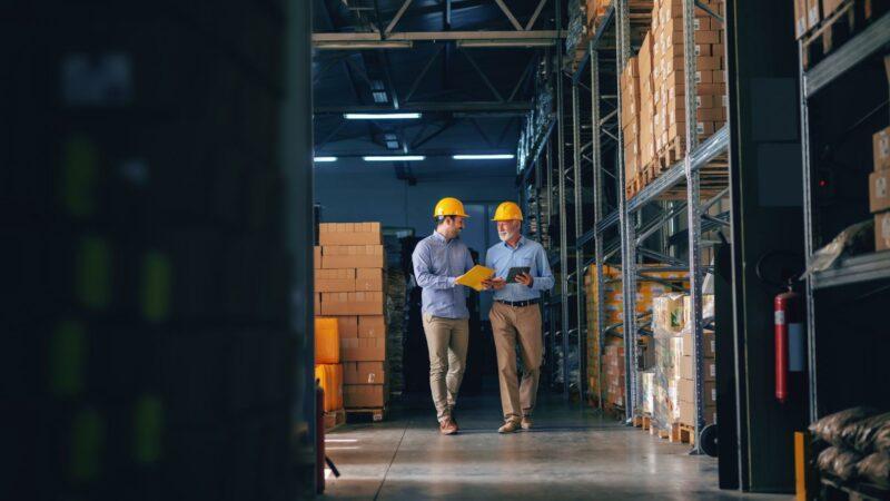 Ausrüstung und Hardware: Was Logistik-Freelancer besitzen sollten